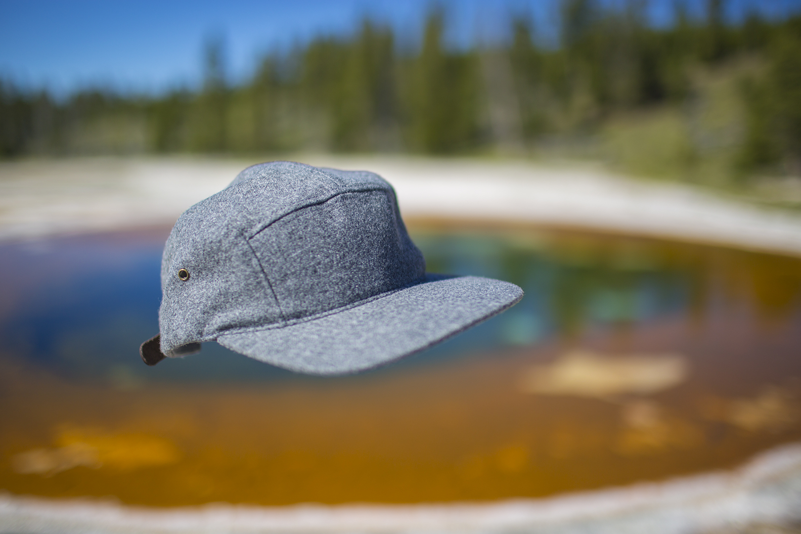 i18 Heather Grey Yellowstone HotSpring Web.jpg