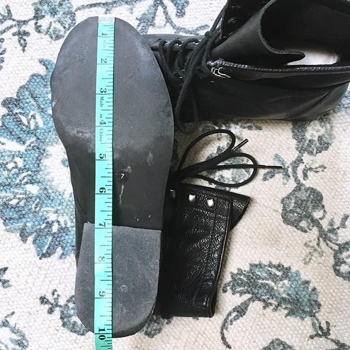 Ruler measurement of bottom sole
