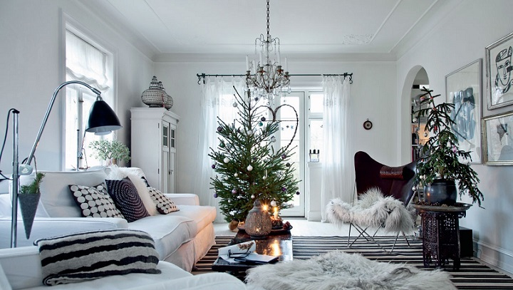 Swedish Christmas interior, white, white and more white! Click to enlarge image.