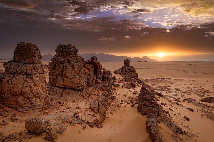 Amanecer en la meseta de Tassili n'Ajjer