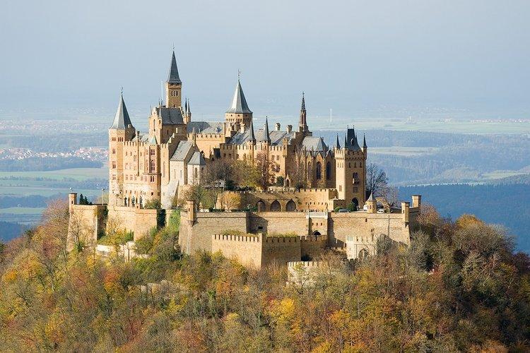 Burg Hohenzollern cerca de Hechingen en Jura de Suabia