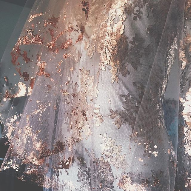We can't believe how long it has been since our last post. October always keeps us busy as 🐝. We are grateful for this beautiful weather and inspired as ever. Looking forward to shooting our new metallic looks in the desert next month.  Hello fall!🍁 . . . . . #coppergown #metal #rosegoldlove #metallace #arcosantiwedding #phoenix #bespokebride #fineart #coolbride #oneofakind #notmanufactured #handmade #alternativewedding #alternativeweddingdress