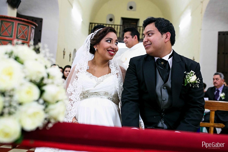 Pipe_gaber_fotografia_valladolid_wedding_boda_yucatan_mexico_bride_iglesia_capilla_candelaria_chappel_09.JPG