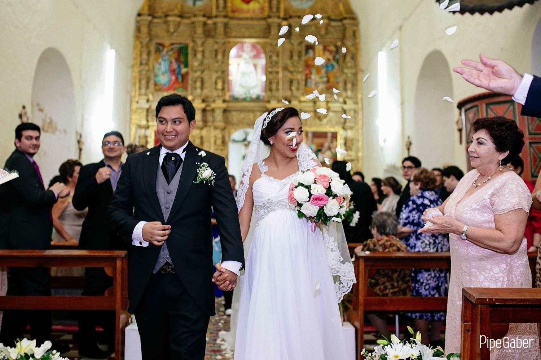 Pipe_gaber_fotografia_valladolid_wedding_boda_yucatan_mexico_bride_iglesia_capilla_candelaria_chappel_11.JPG