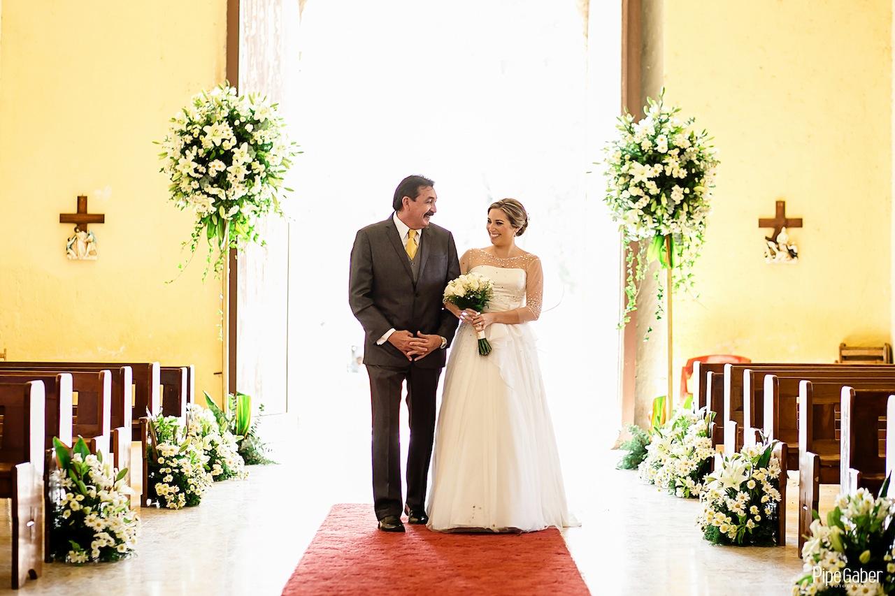 Yucatan_wedding_mexico_chicxulub_pueblo_church_iglesia_boda_fotografia_espontanea_pipe_gaber_momentos_12.JPG