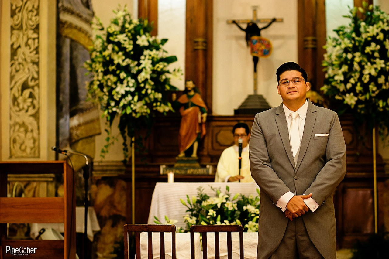 Yucatan_wedding_mexico_chicxulub_pueblo_church_iglesia_boda_fotografia_espontanea_pipe_gaber_momentos_13.JPG
