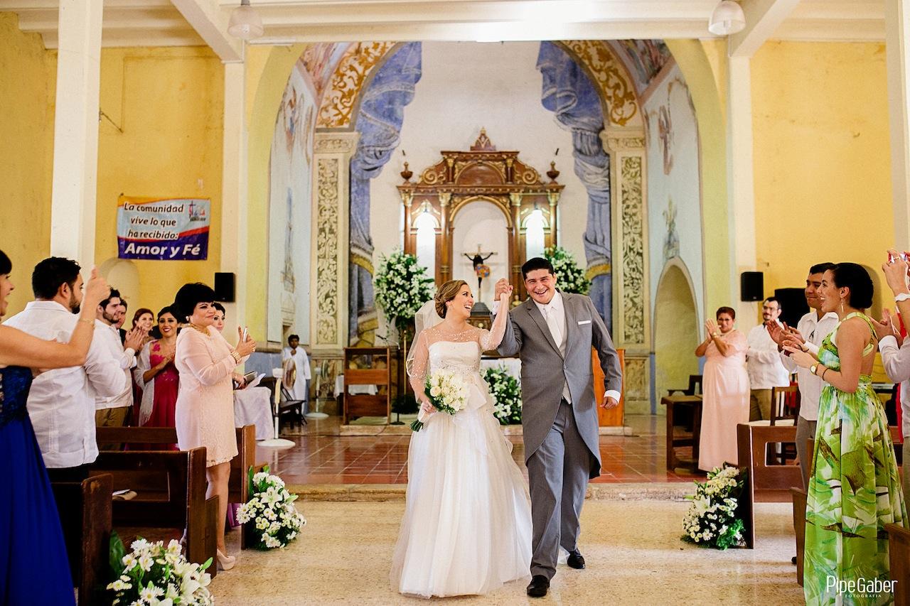Yucatan_wedding_mexico_chicxulub_pueblo_church_iglesia_boda_fotografia_espontanea_pipe_gaber_momentos_21.JPG