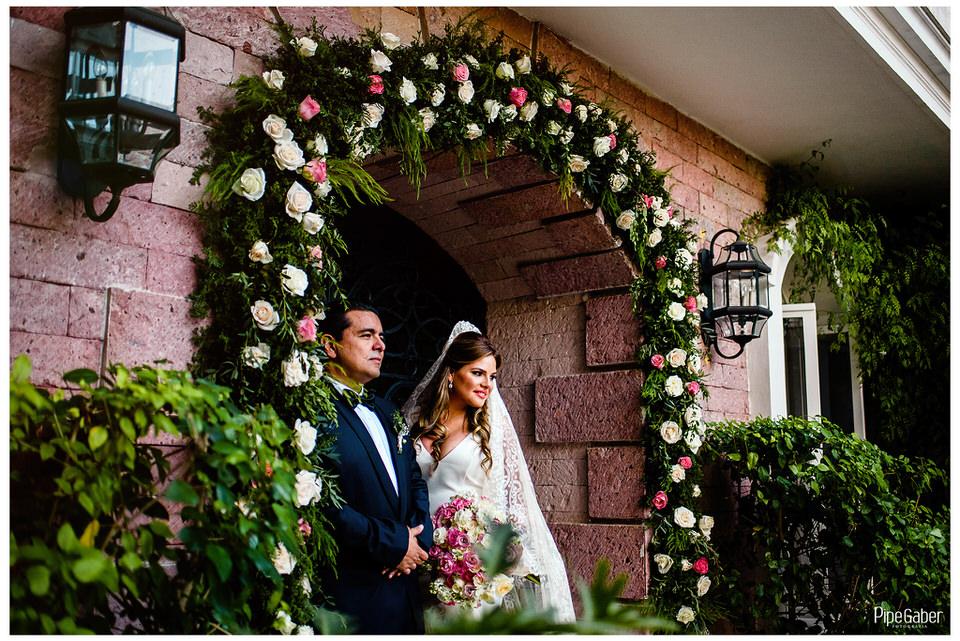boda_española_merida_fotografia_vicky_martin_berrocal_san_ramon_norte_cristo_divina_misericordia_pipe_gaber_wedding_12.JPG