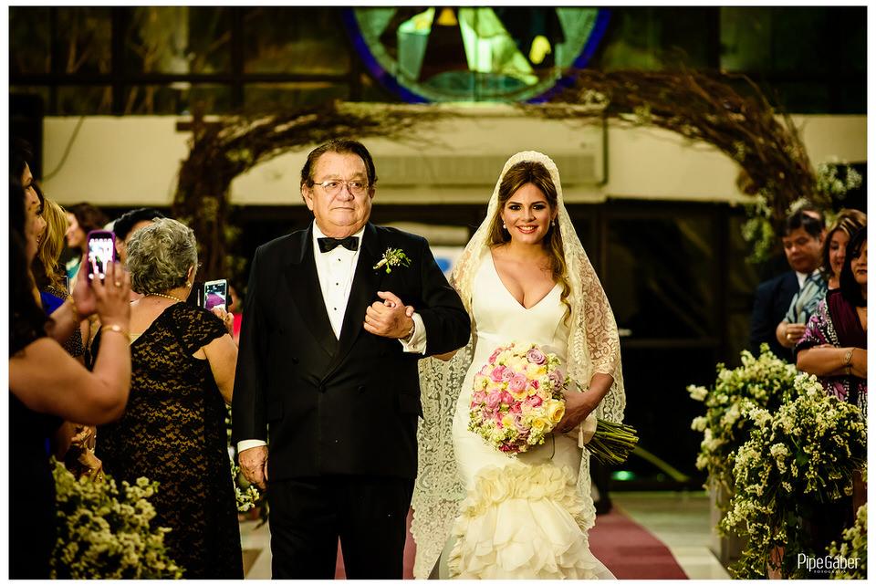 boda_española_merida_fotografia_vicky_martin_berrocal_san_ramon_norte_cristo_divina_misericordia_pipe_gaber_wedding_23.JPG