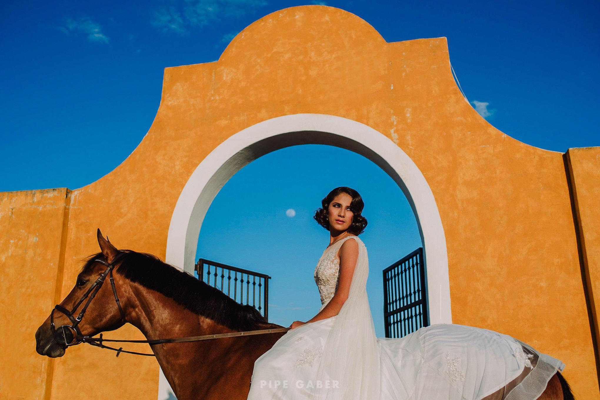 Trash_the_dress_horses_caballo_fotografia_merida_3.JPG