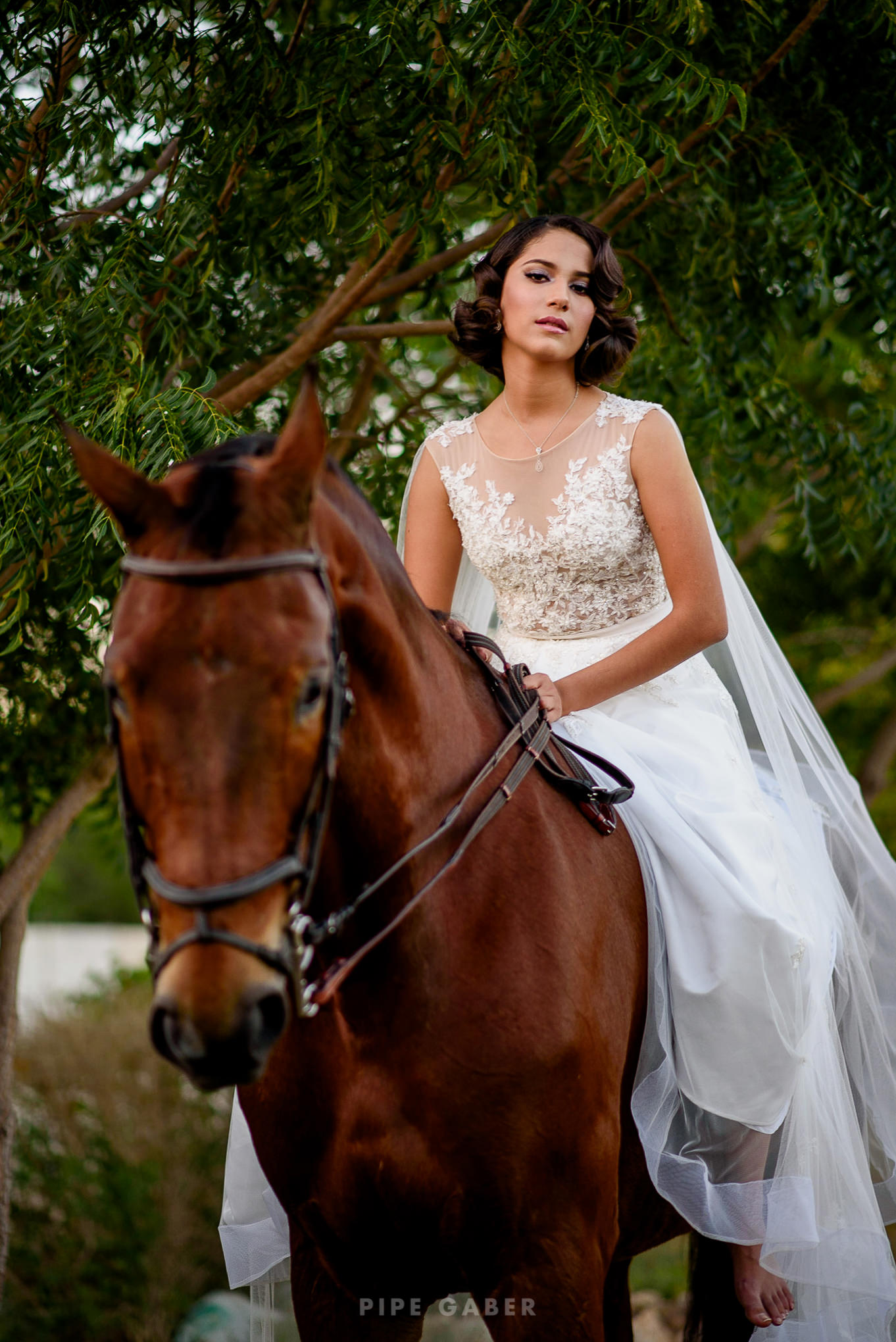 Trash_the_dress_horses_caballo_fotografia_merida_11.JPG