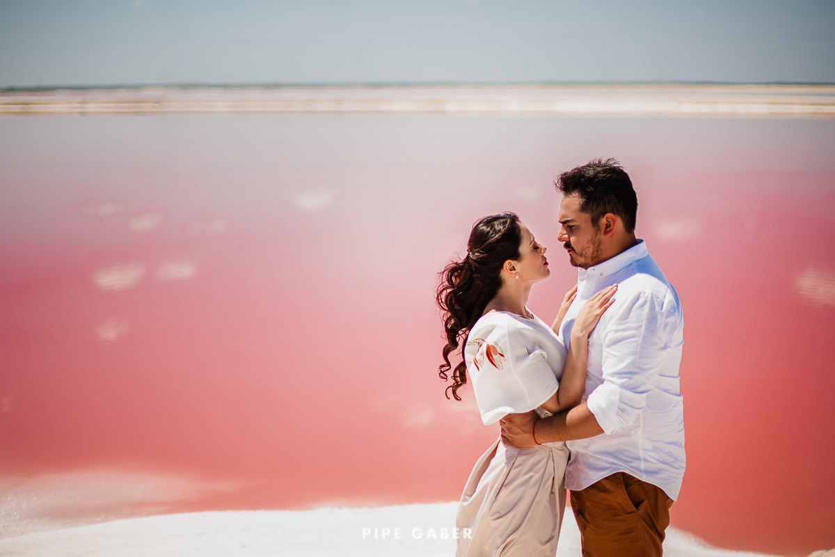 SESION_SALINERA_YUCATAN_SAVE_THE_DATE_E_SESSION_LAS_COLORADAS_FOTOGRAFO_MEXICO_17.JPG