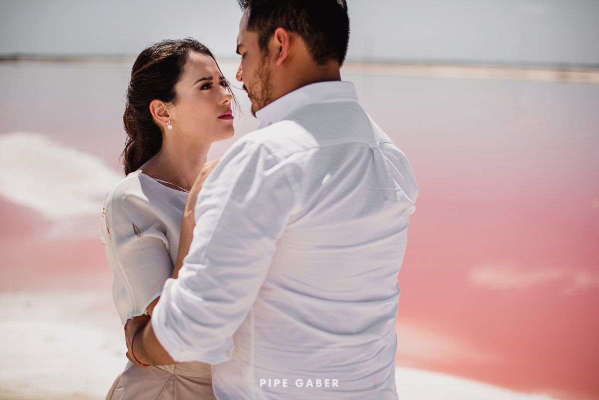 SESION_SALINERA_YUCATAN_SAVE_THE_DATE_E_SESSION_LAS_COLORADAS_FOTOGRAFO_MEXICO_18.JPG