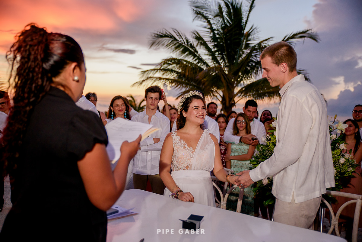 17_07_17_WEDDING_CIVIL_NICOLE_PENICHE_056_WEB.jpg