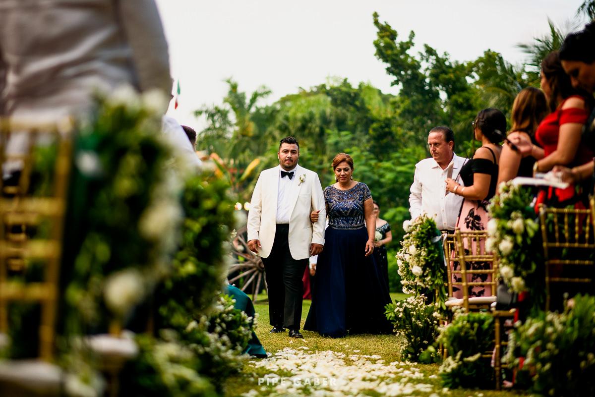 17_09_16_WEDDING_LILY_MORAN_CARLOS_APT_1838_web.jpg