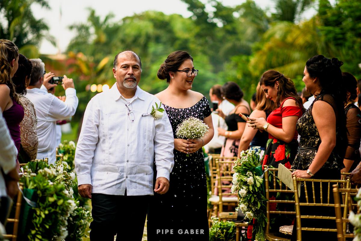 17_09_16_WEDDING_LILY_MORAN_CARLOS_APT_1853_web.jpg