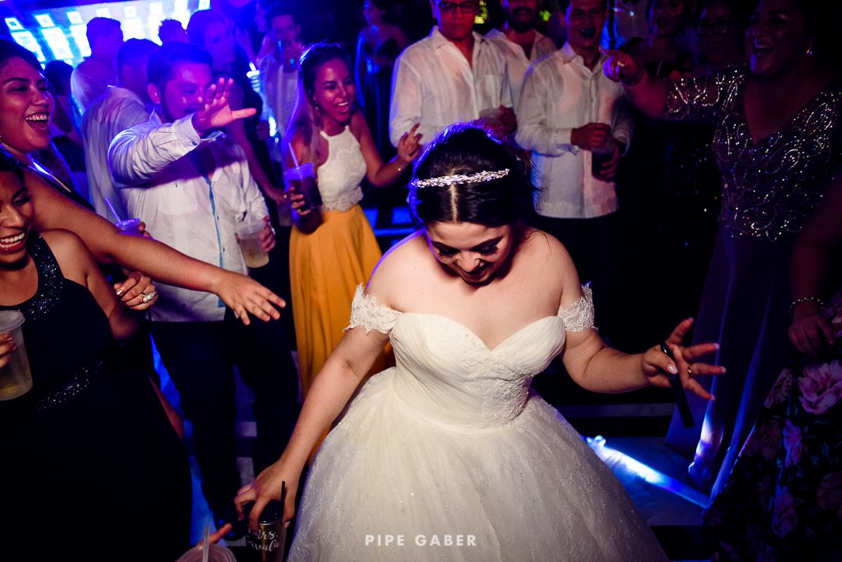 17_09_16_WEDDING_LILY_MORAN_CARLOS_APT_3393_web.jpg