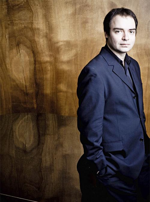 Alexander Melnikov, piano