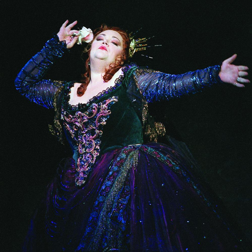 Stephanie Blythe sings Juno in  Semele  . Photo © Bill Cooper