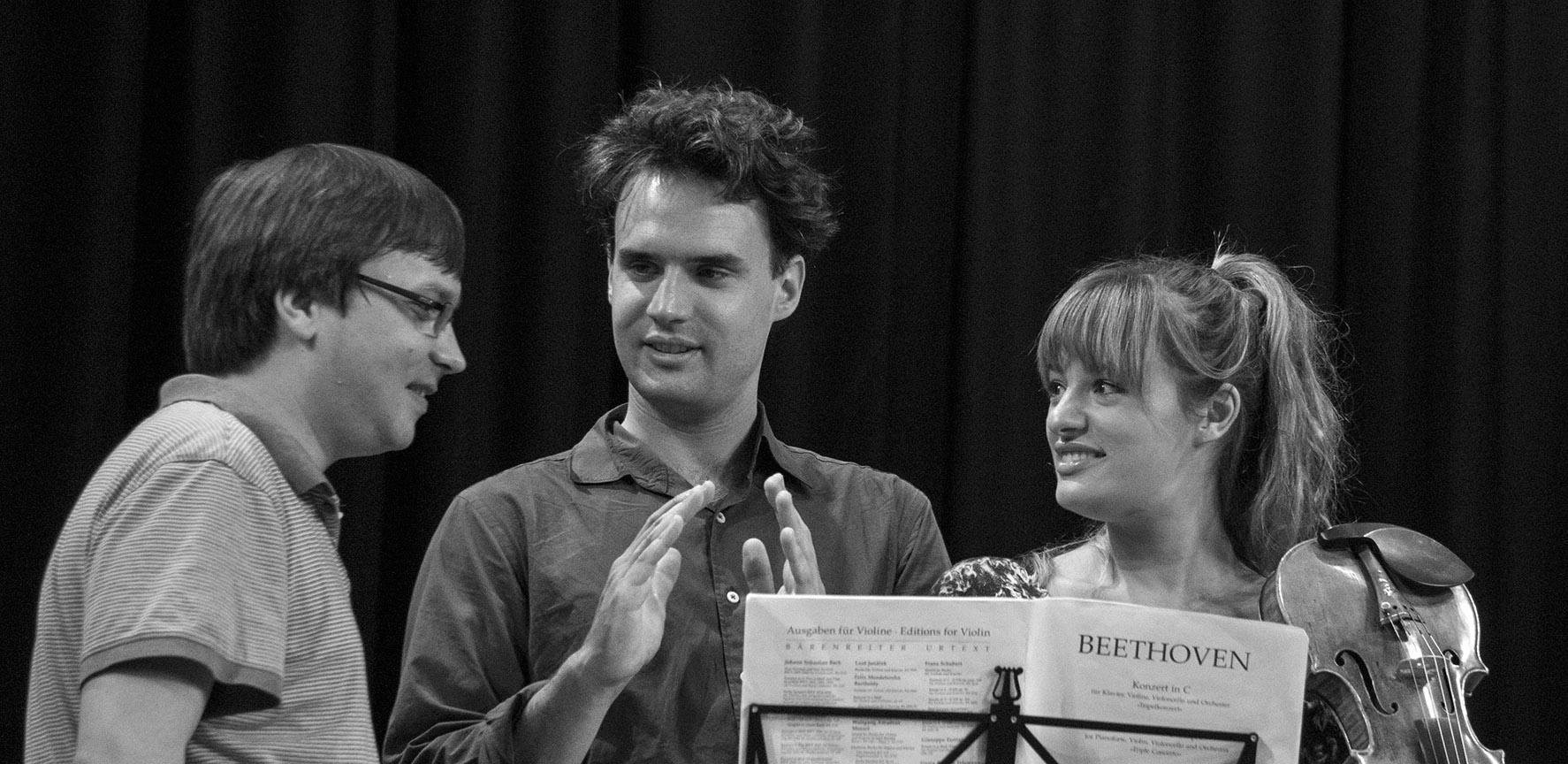 Benedetti-Elschenbroich-Grynyuk-Trio-Credit-Jane-Lawrence.jpg