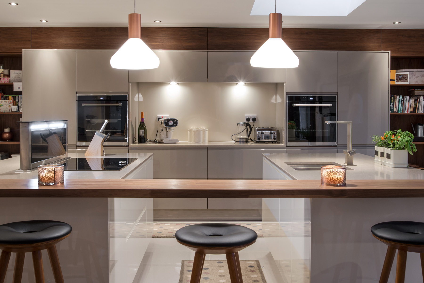 Mat Naomi S Rich Walnut And Gloss Kitchen Simon