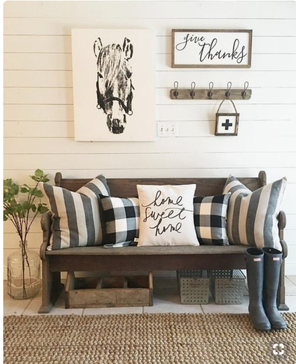 - The ModernFarmhouseIt is clean light colors with accents of wood items. Simple horse art and farm art looks great with this style but it should be simple. Farm items and animals go great with this style.