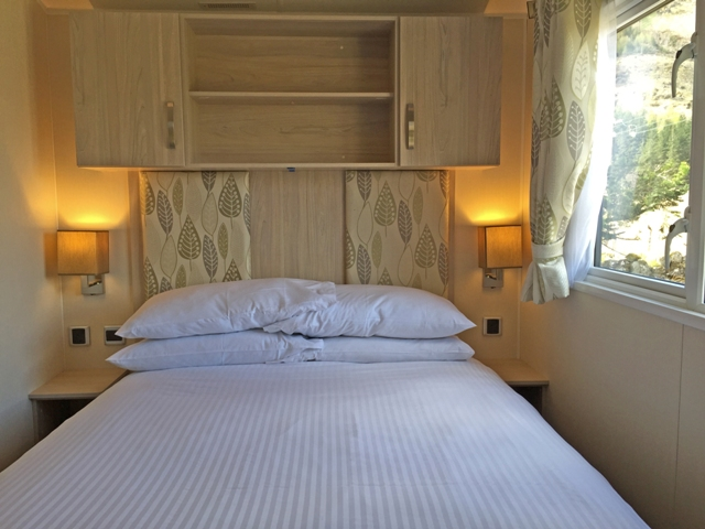 Sup 2 bed Caravan-006-WEB.jpg