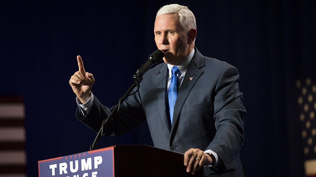 09192016_BJM_Mike_Pence_Rally_in_Dubuque_40.jpg