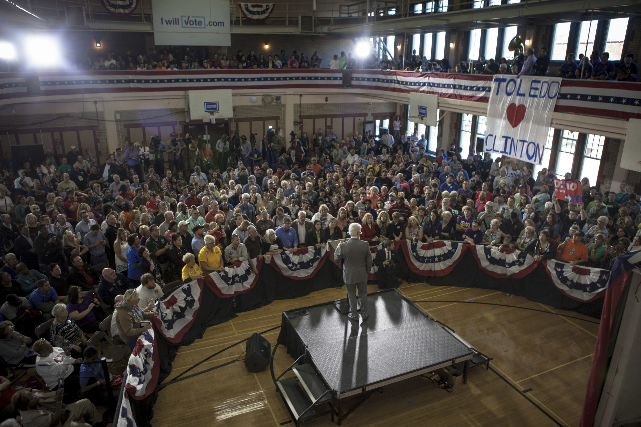 09272016_BJM_Bill_Clinton_in_Toledo_Ohio_02.jpg