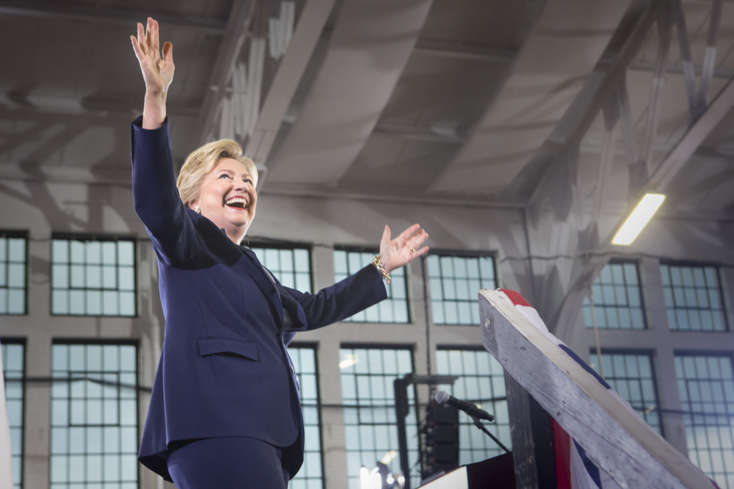 10032016_BJM_Hillary_Campaigns_in_Akron_Ohio_05.jpg