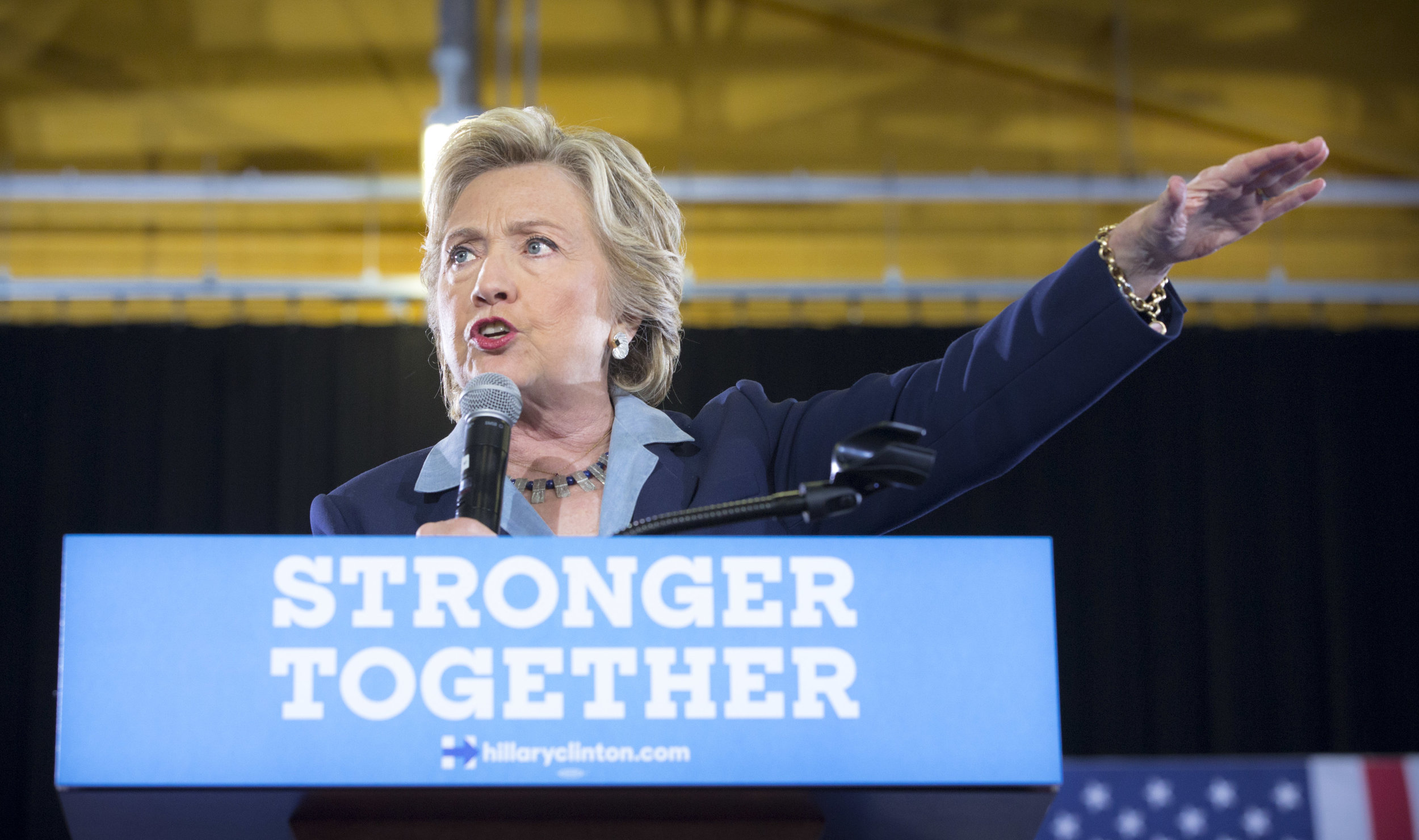 10032016_BJM_Hillary_Campaigns_in_Akron_Ohio_14.jpg