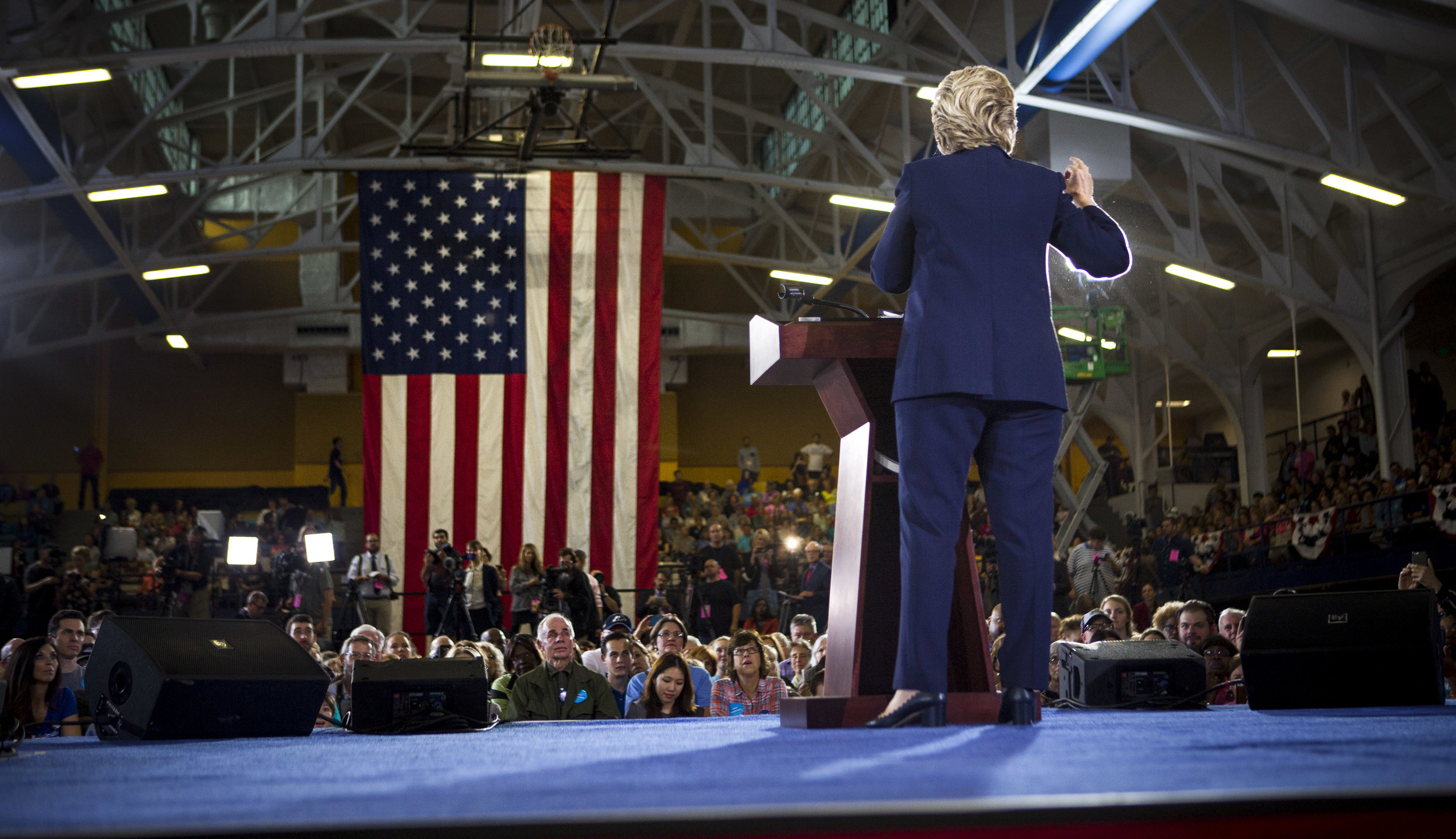 10032016_BJM_Hillary_Campaigns_in_Akron_Ohio_16.jpg
