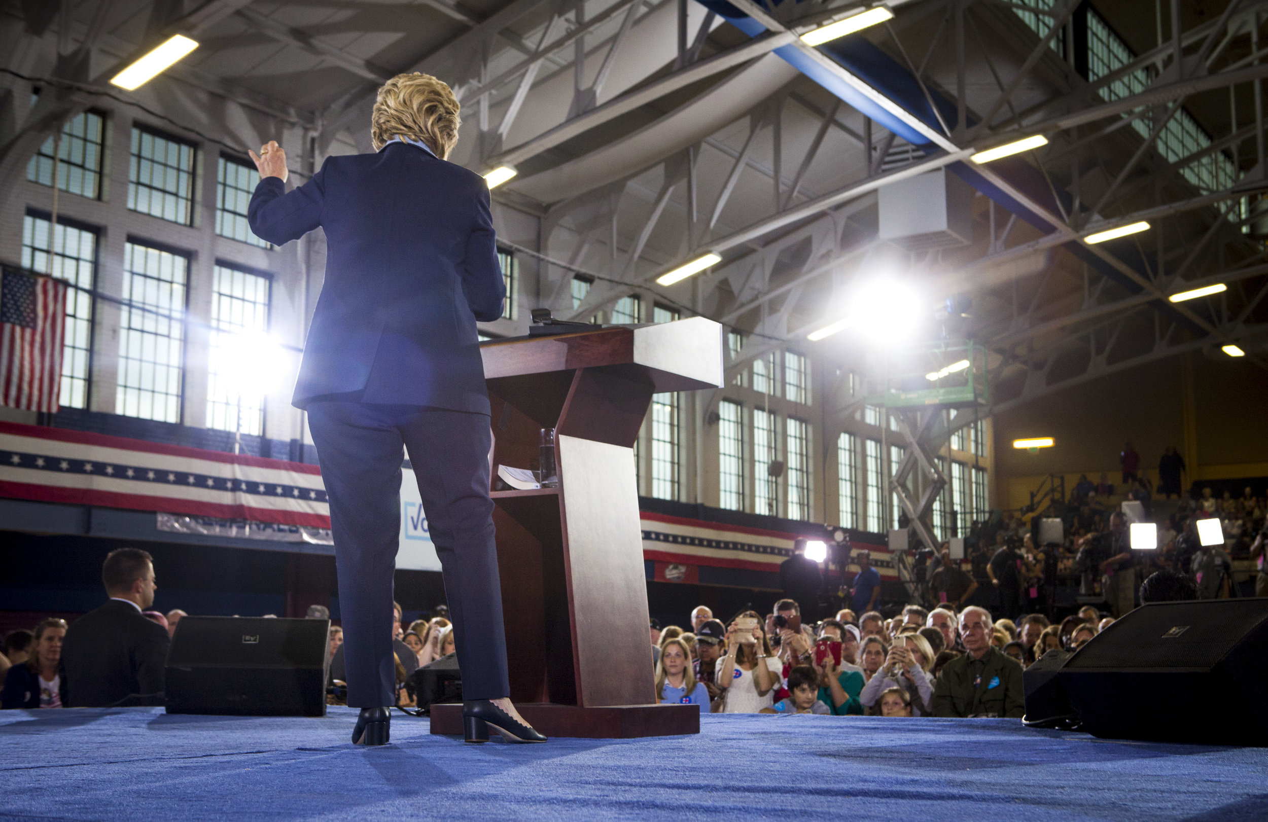 10032016_BJM_Hillary_Campaigns_in_Akron_Ohio_30.jpg