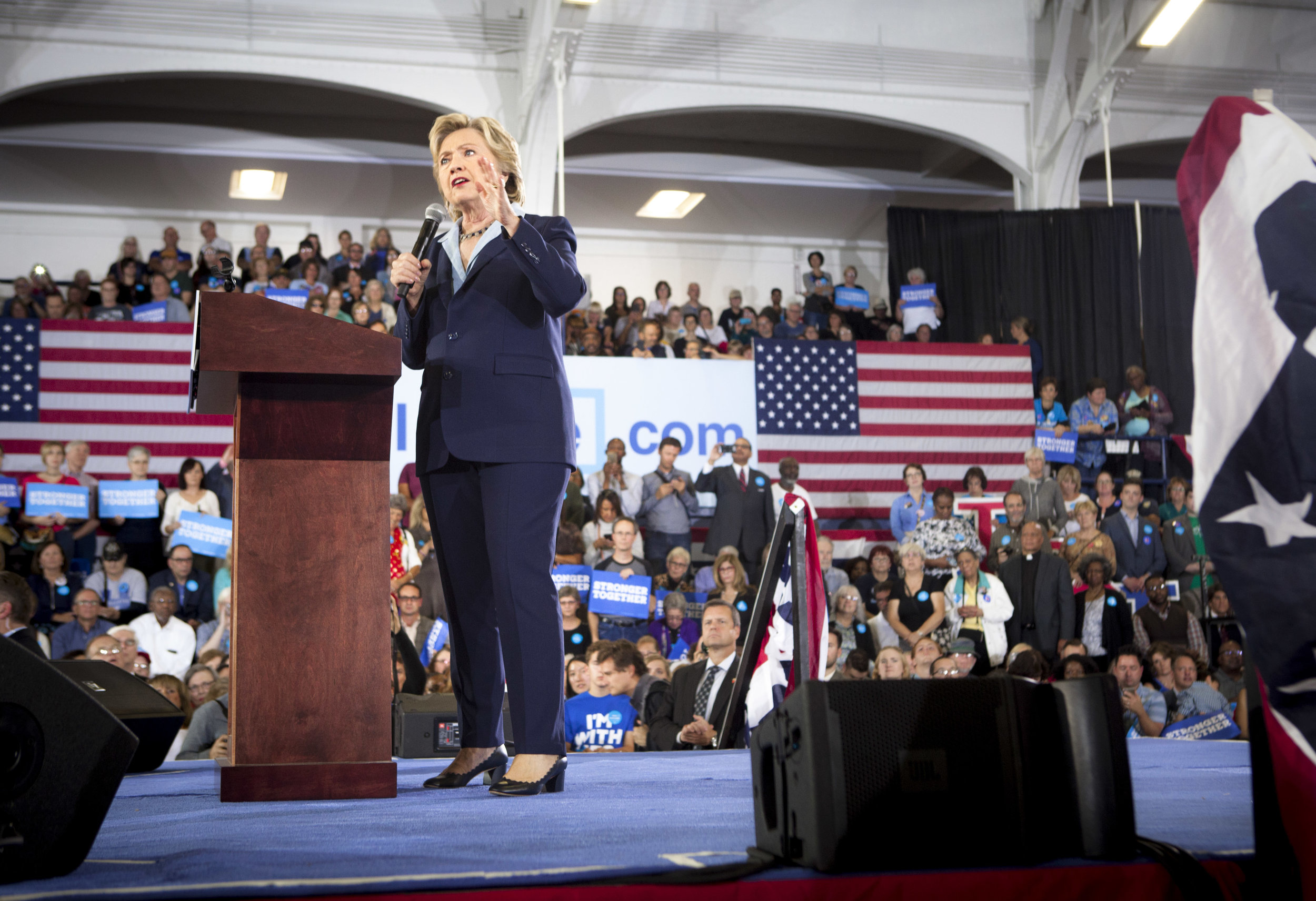 10032016_BJM_Hillary_Campaigns_in_Akron_Ohio_47.jpg