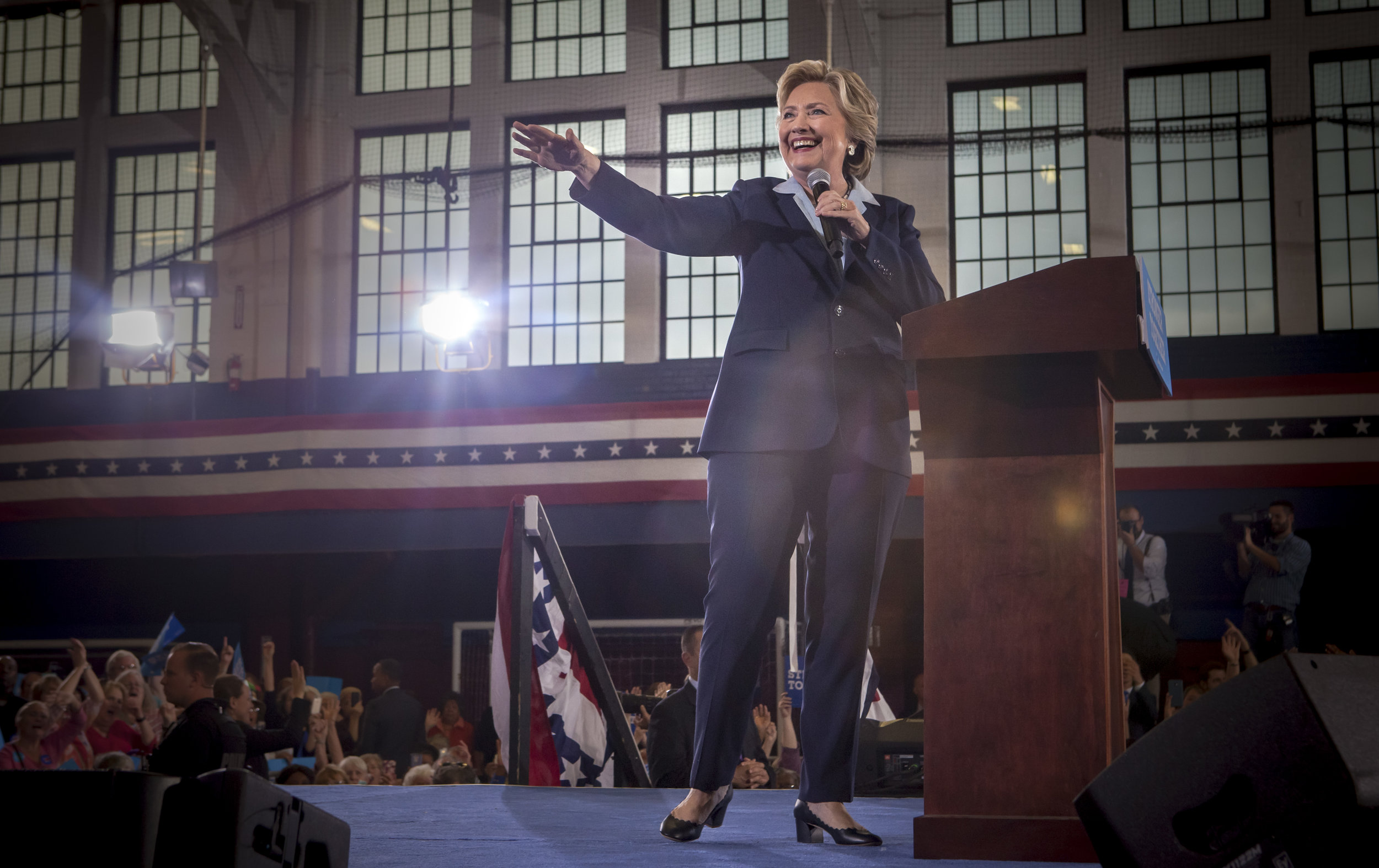 10032016_BJM_Hillary_Campaigns_in_Akron_Ohio_52.jpg