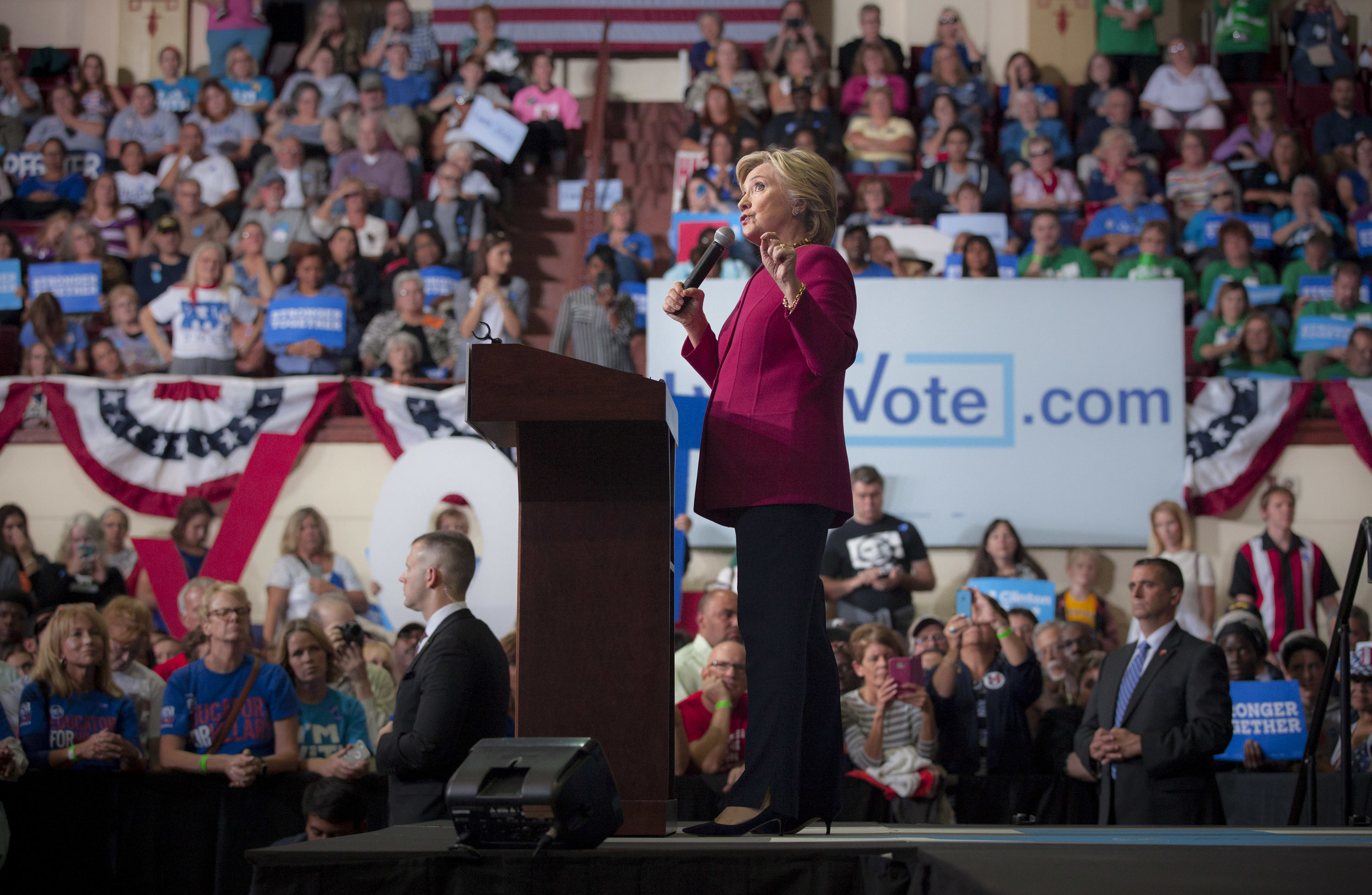 10042016_BJM_Hillary_Clinton_Campaigns_in_Harrisburg_Pennsylvania_14.jpg