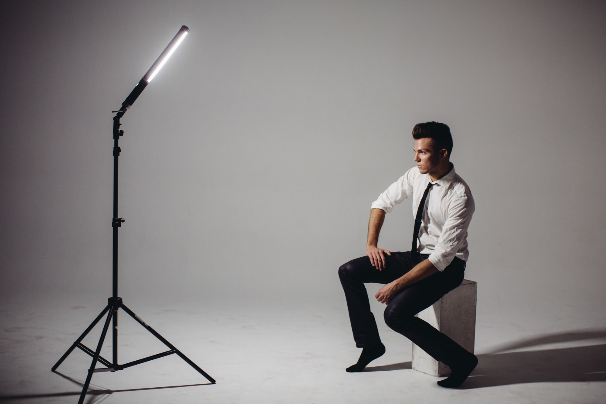 Quick little behind the scenes of how I use the Westcott Icelight   Canon 5D MkIII 50mm 1.2 / Westcott Icelight