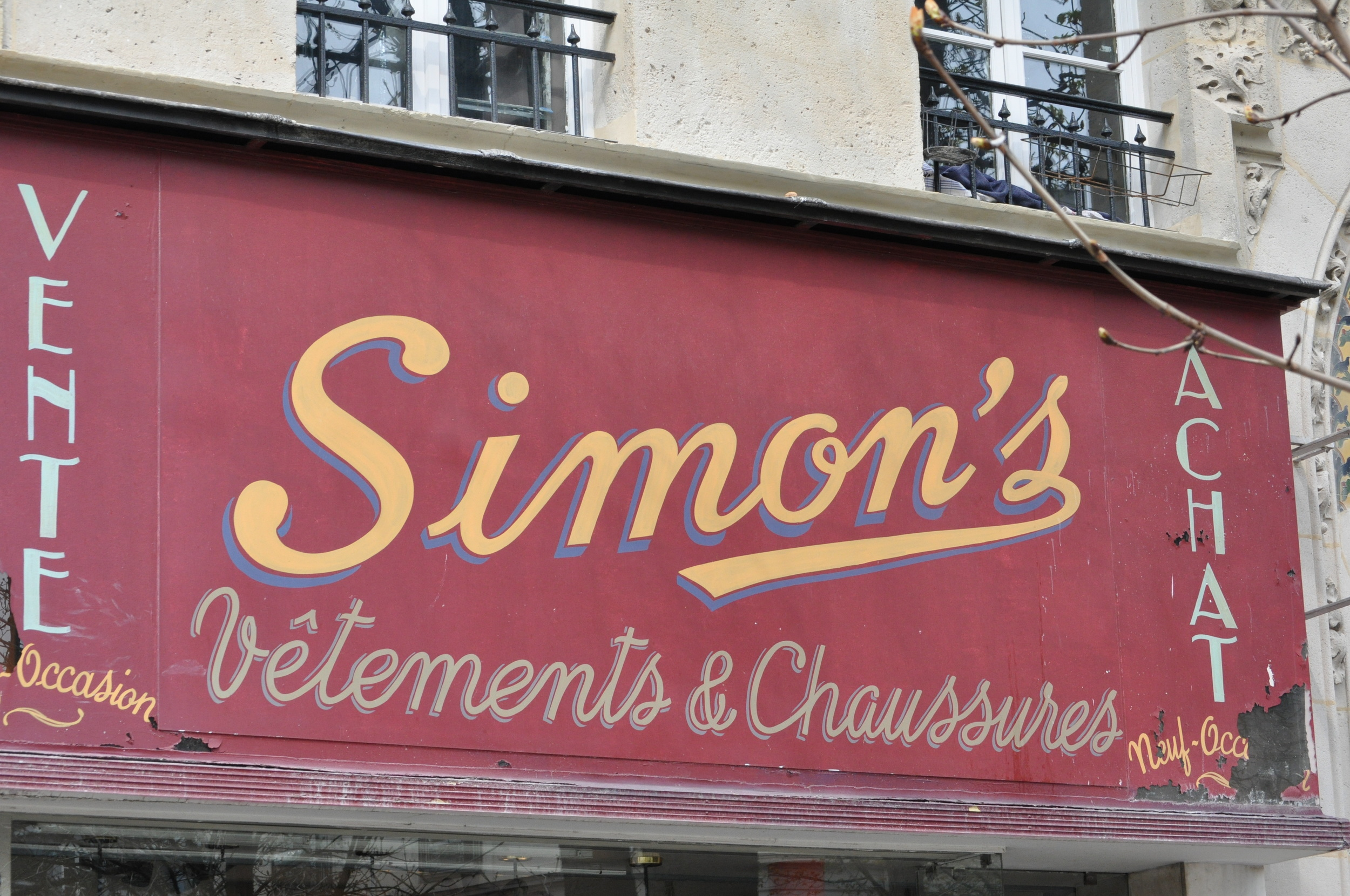 excellent example of what i consider classic signage - from france