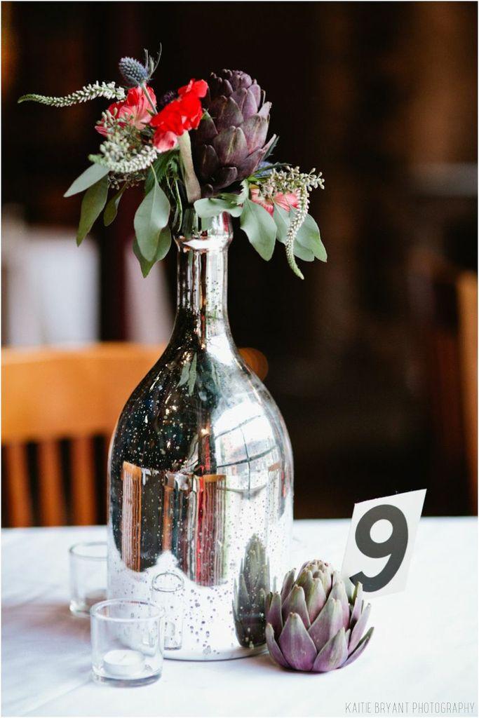 budandbloom_notwedding_table_flowers.jpeg