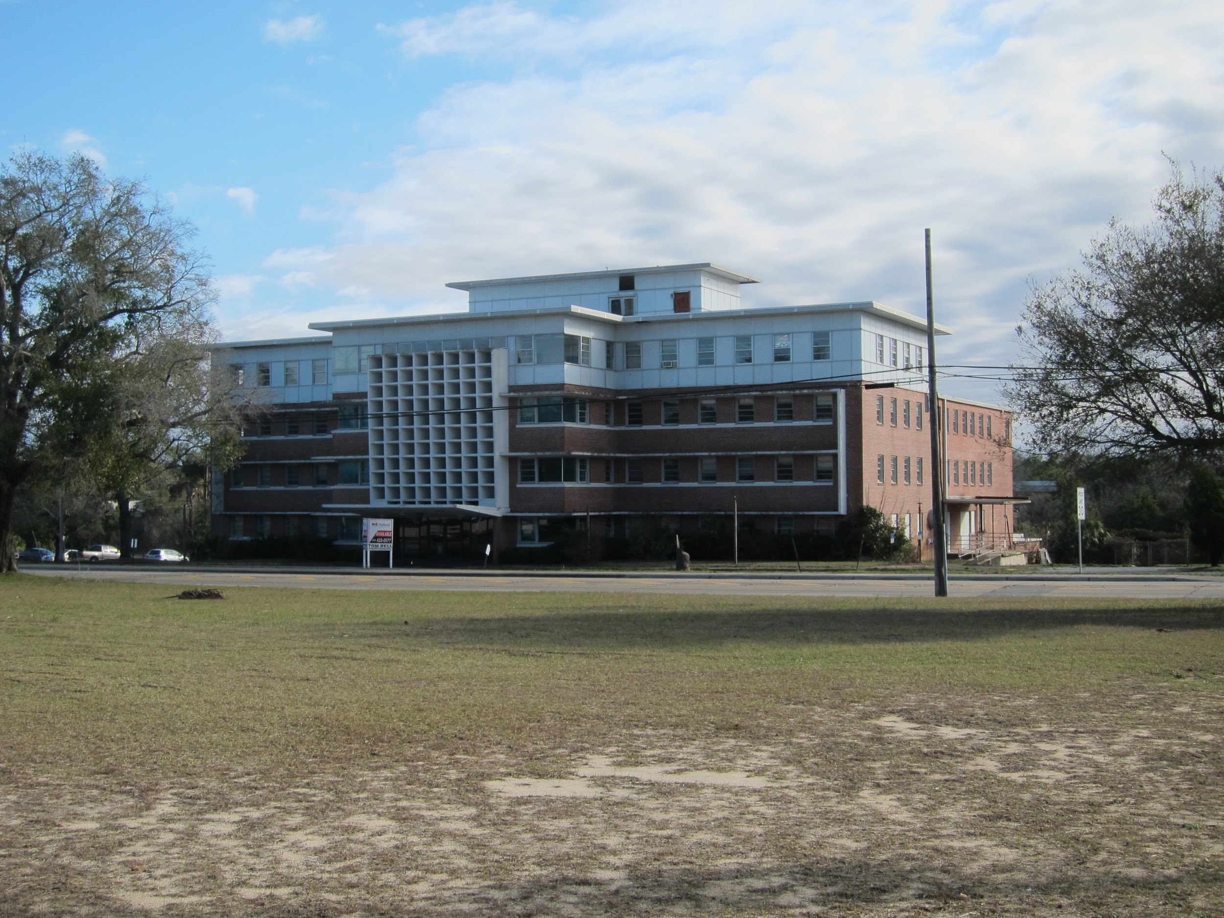 The former site of the Medical Center Clinic has been vacant since the roof caved in following Hurricane Ivan in 2004.