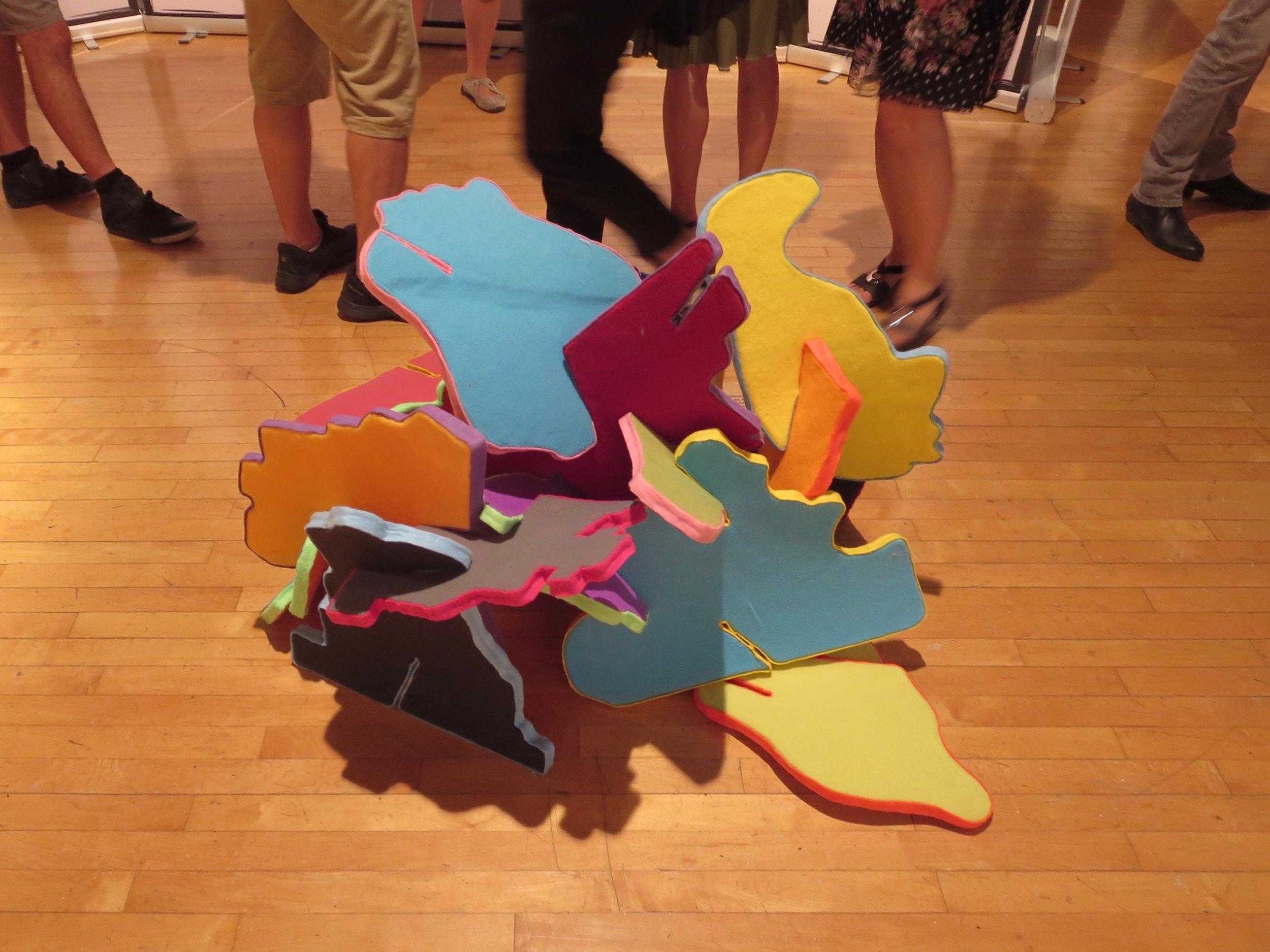 Le puzzle interactif d'Ian Langohr, illustrant l'économie comportementale, en collaboration avec l'économiste Chris Barrington-Leigh.