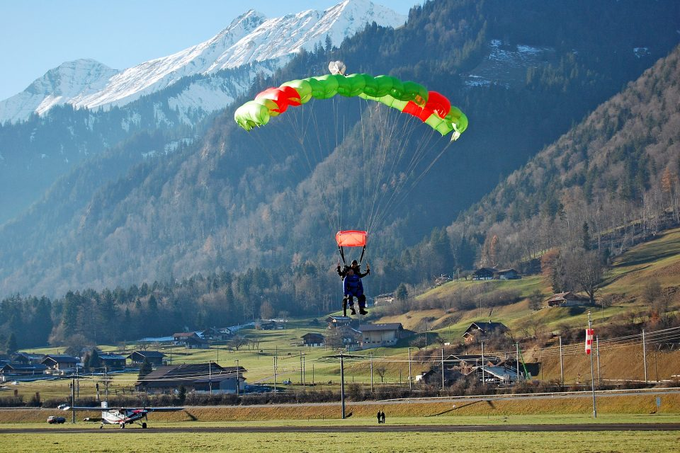 skydive-interlaken-switzerland6-960x640.jpg