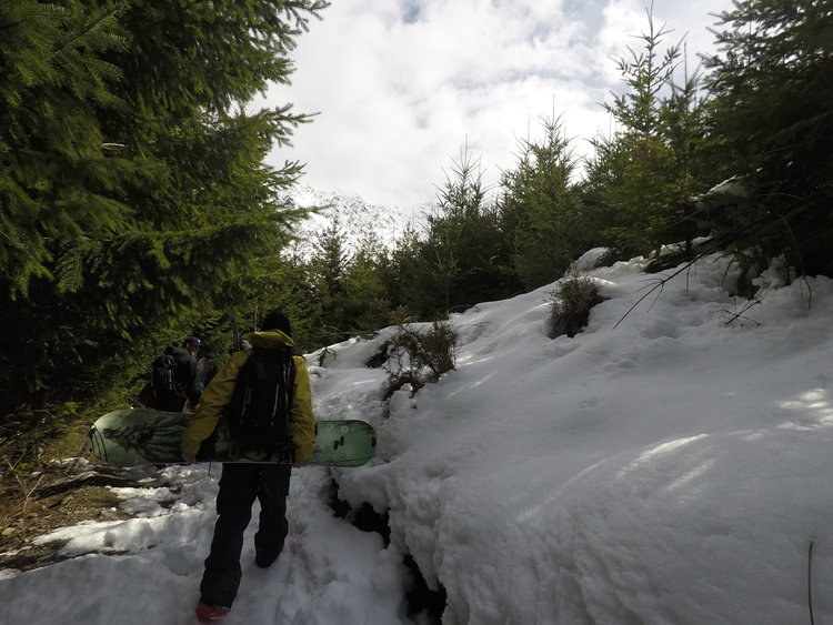 5 minute boot pack to the snow line from the gondola