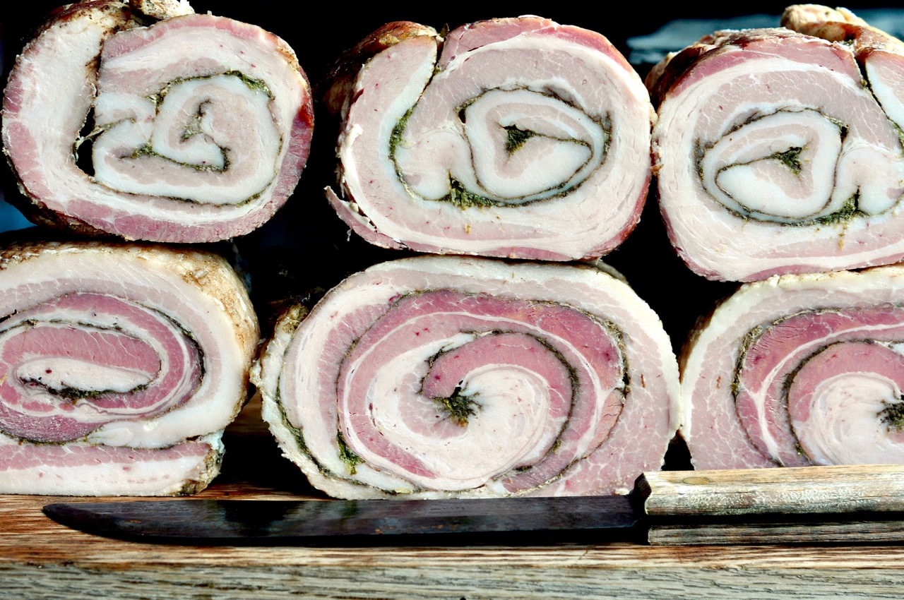 Rullepølse rolls 1 Danish Bacon.jpg