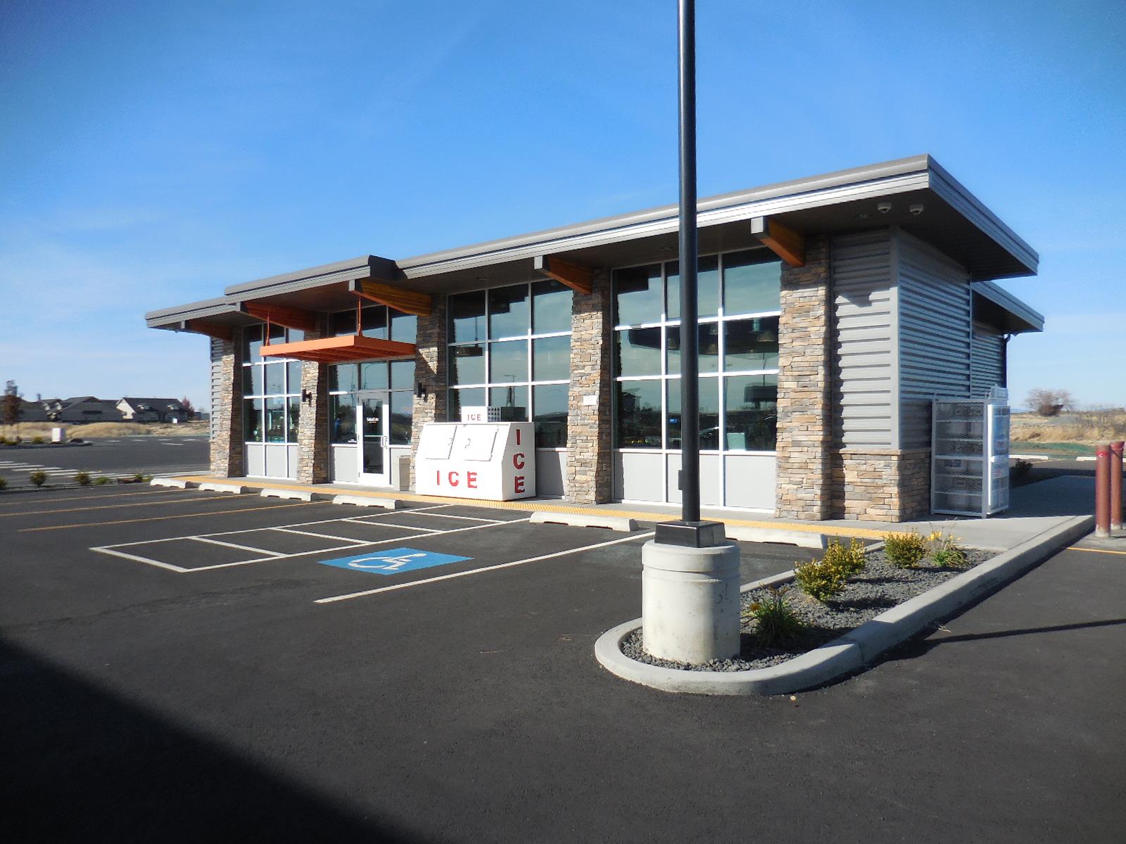 Exterior / Architecture / Storefront