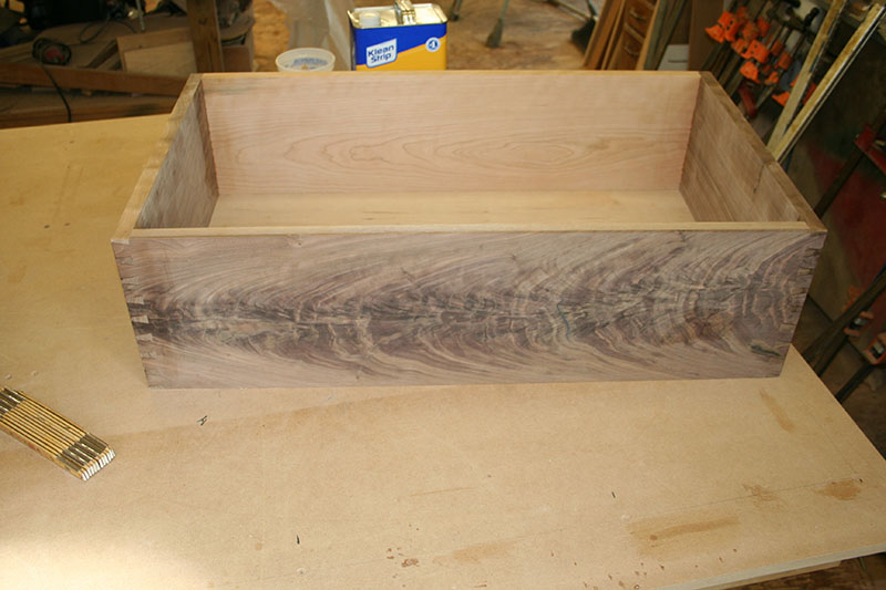 Dry fitting drawer