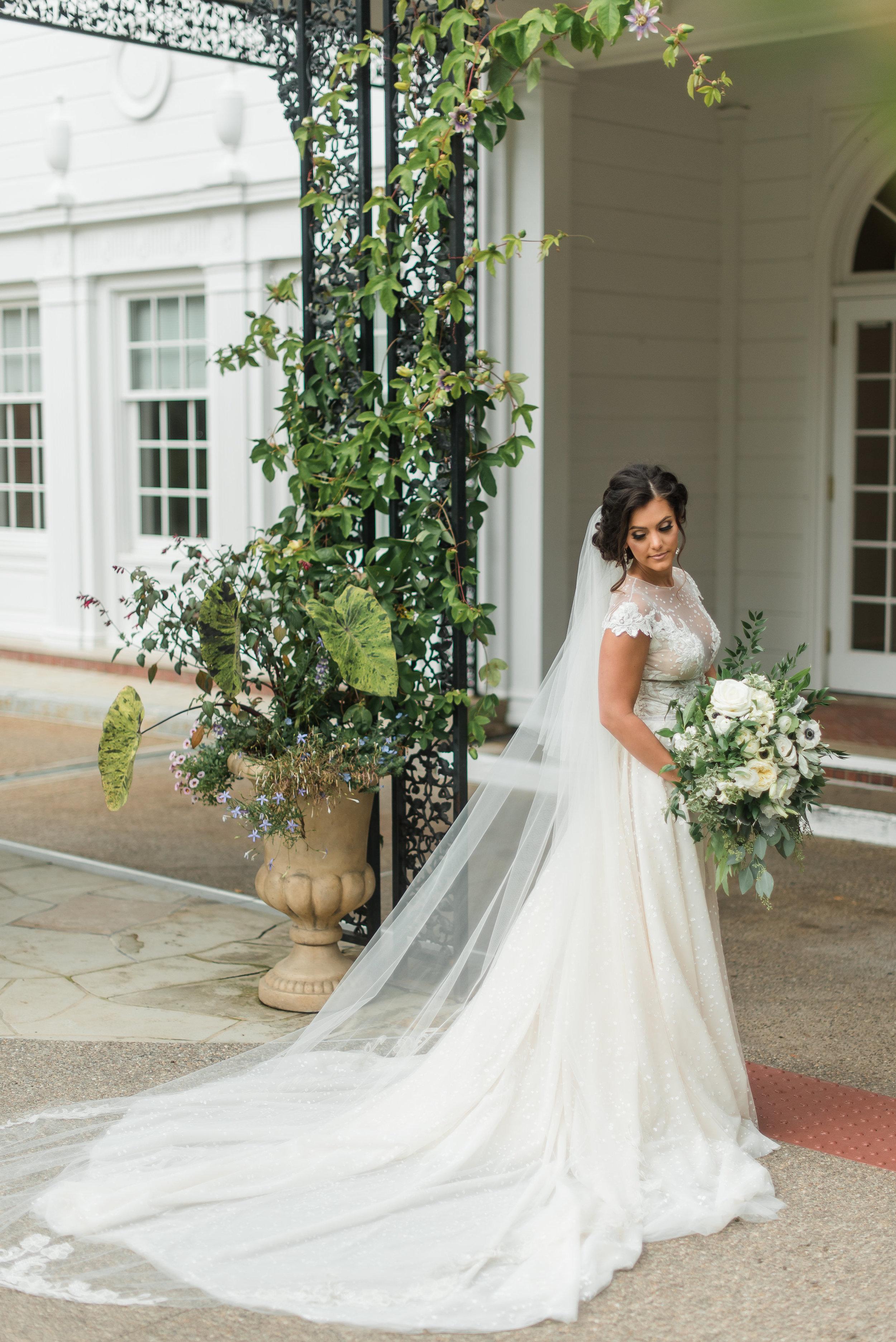 pittsburgh-wedding-photographer-classic-greenery-foxchapelgolfclub0020.jpg