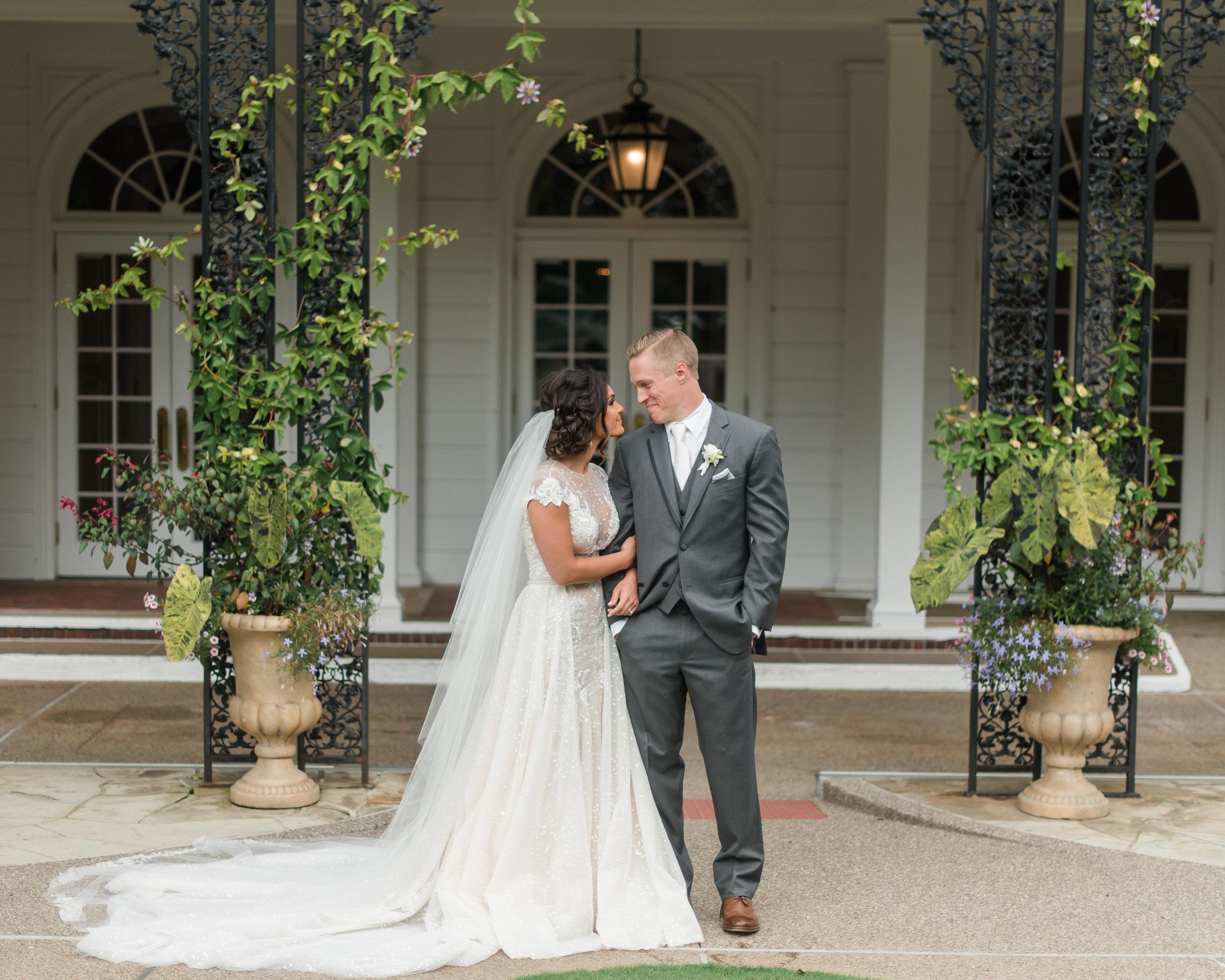 pittsburgh-wedding-photographer-classic-greenery-foxchapelgolfclub0019.jpg