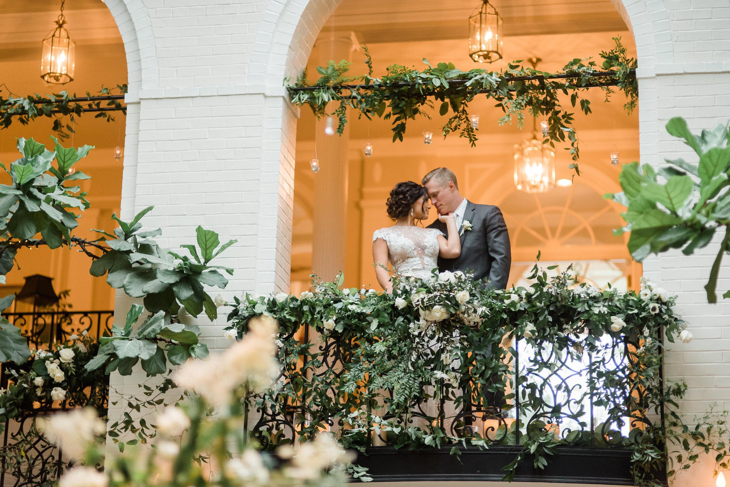 pittsburgh-wedding-photographer-classic-greenery-foxchapelgolfclub0028.jpg