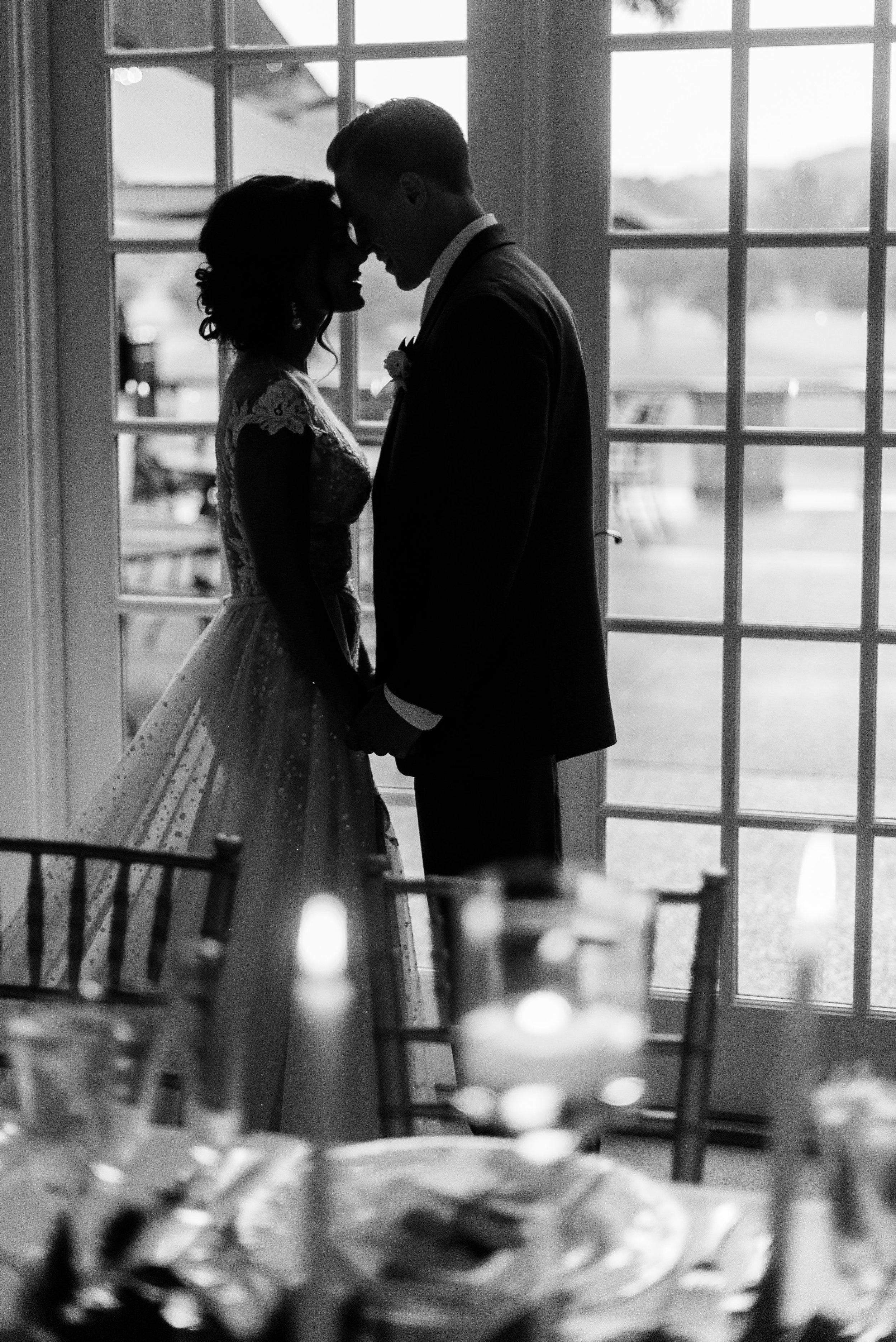 pittsburgh-wedding-photographer-classic-greenery-foxchapelgolfclub0030.jpg